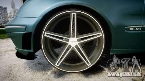 Mercedes-Benz W211 E55 AMG Vossen VVS CV5 para GTA 4 vista hacia atrás