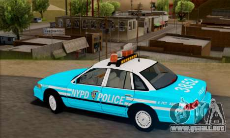Ford Crown Victoria NYPD Blue para GTA San Andreas left