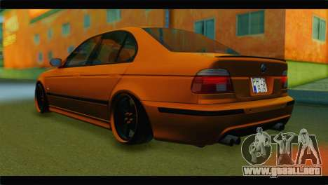 BMW M5 E39 Simply Cleaned para GTA San Andreas left