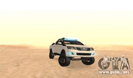 Toyota Hilux 4WD 2015 Rustica para GTA San Andreas vista hacia atrás