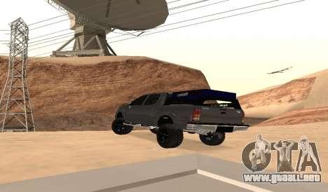 Toyota Hilux 2012 Activa barra led para GTA San Andreas vista posterior izquierda