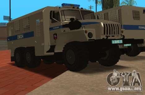 Ural 4320 la policía antidisturbios para GTA San Andreas