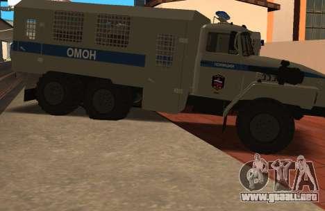 Ural 4320 la policía antidisturbios para GTA San Andreas left