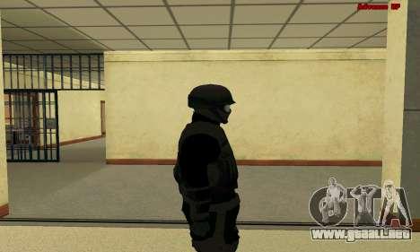 La piel de la FIB SWAT de GTA 5 para GTA San Andreas sucesivamente de pantalla