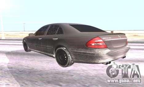 Mercedes-Benz E55 W211 AMG para GTA San Andreas left