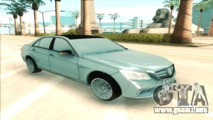 Mercedes-Benz E63 AMG silver para GTA San Andreas