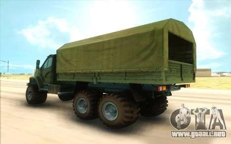 Ural SIGUIENTE Militar para GTA San Andreas vista posterior izquierda