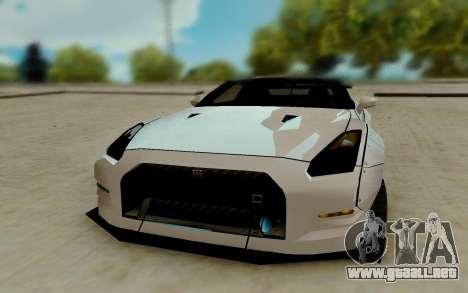 Nissan GTR R35 para GTA San Andreas vista hacia atrás