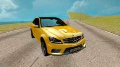 Mercedes-Benz E Class AMG E63 S Sedan para GTA San Andreas