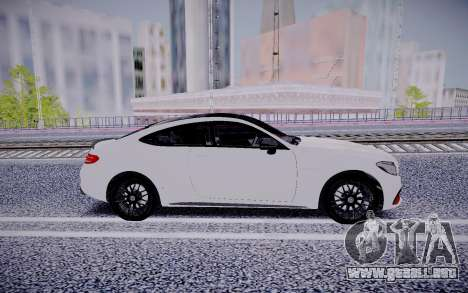 Mercedes-Benz C63 para GTA San Andreas vista posterior izquierda