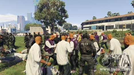 GTA 5 30 SWAT VS 60 Gangsters 1.0 tercera captura de pantalla