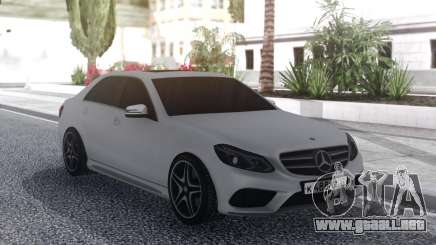 Mercedes-Benz E200 White para GTA San Andreas