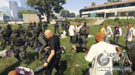 30 SWAT VS 60 Gangsters 1.0 para GTA 5