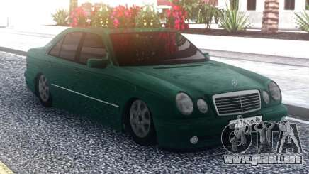 Mercedes-Benz E55 Green Sedan para GTA San Andreas