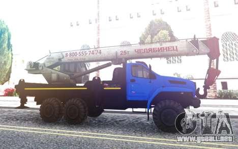 De Los Urales Junto A La Grúa para GTA San Andreas