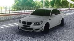 BMW M5 E60 White Sedan para GTA San Andreas