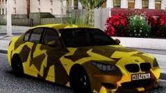 BMW M5 E60 Yellow Camo para GTA San Andreas