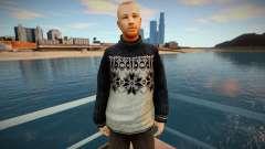 Hombre ruso con un suéter